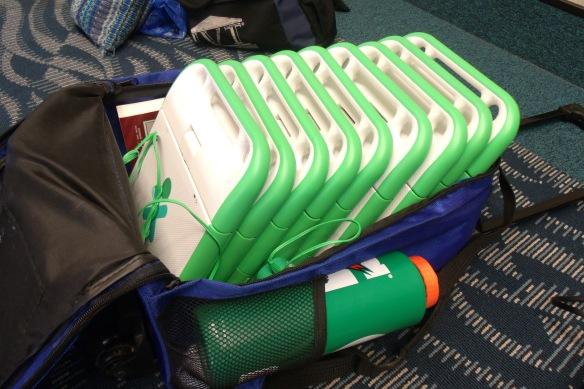 ten XO laptops in one bag